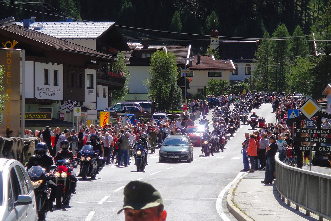 This other tour was way overbooked - actually sunday bikers caught behind a herd of cows - Solden Austria