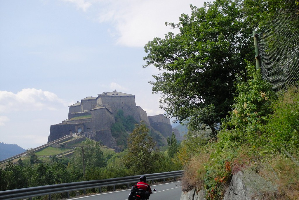The southern TOP 10+ route constantly skips between Italy and France, This castle is near Oulx - Italy