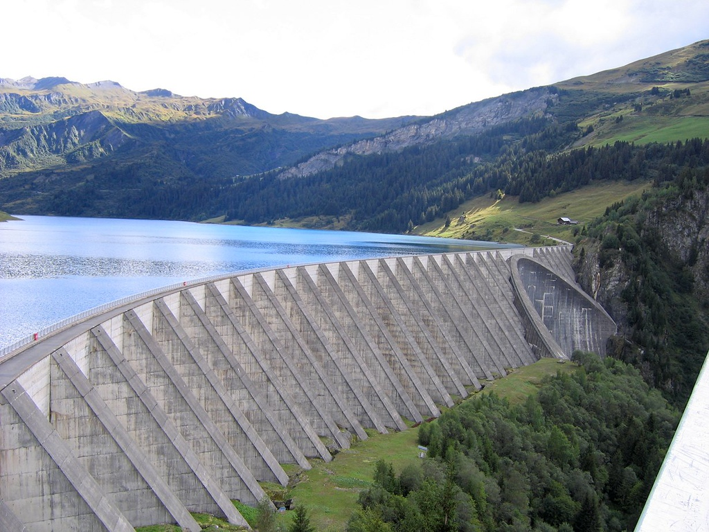 It's true - the Col du Pre starts by riding over the dam - France