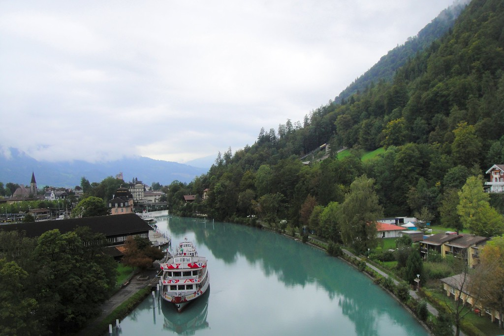 There are always the cruise boats between the Thuner See and the Brienzer See via Interlaken - Switzerland