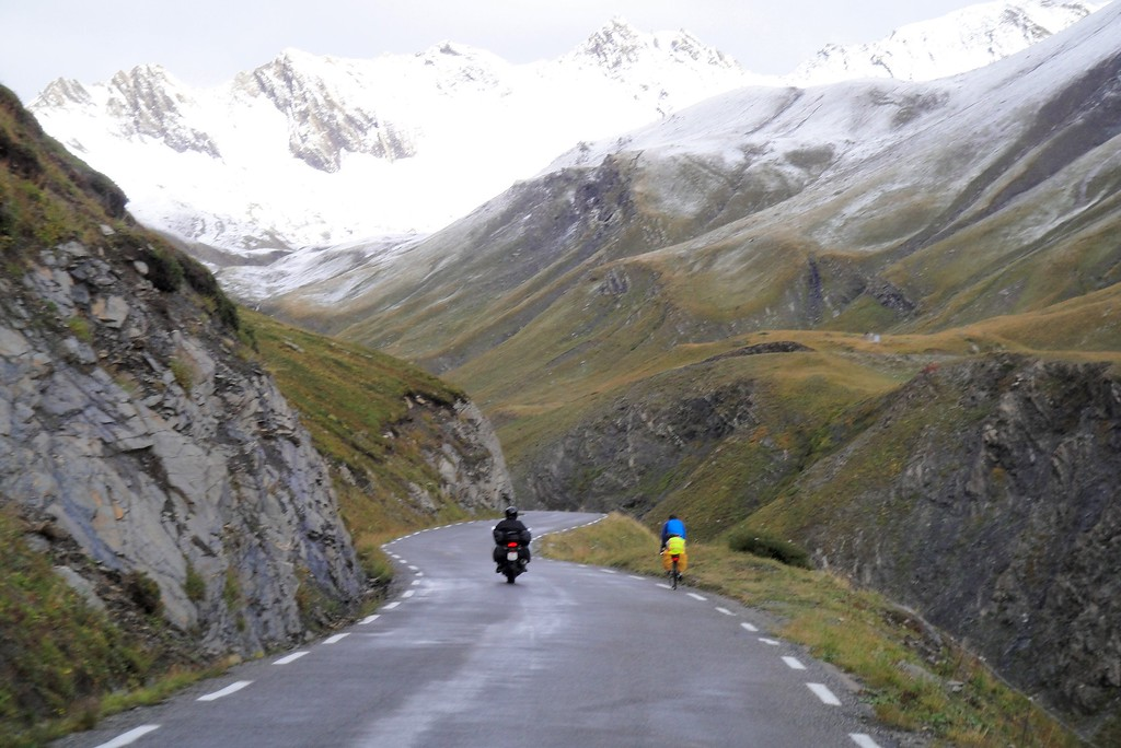 He declined a tow, continuing the climb from the south - Col du Galiber France