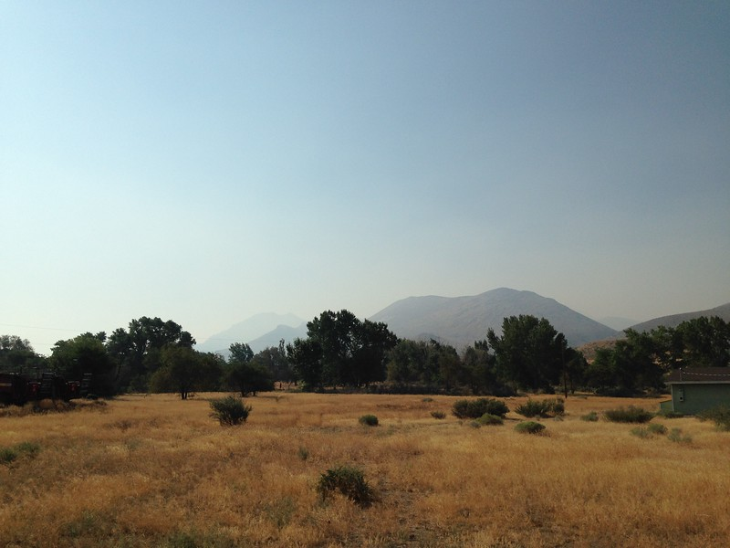 Smoke from the fire persisted deep into Nevada. This is somewhere near Walker Lake, maybe 35-40 miles from the CA border as the crow flies.