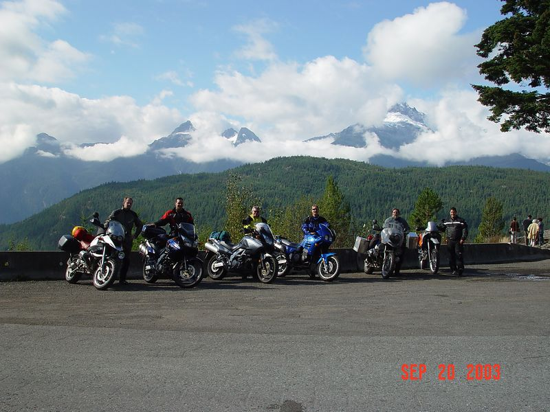 10 Everyone standing by their bikes