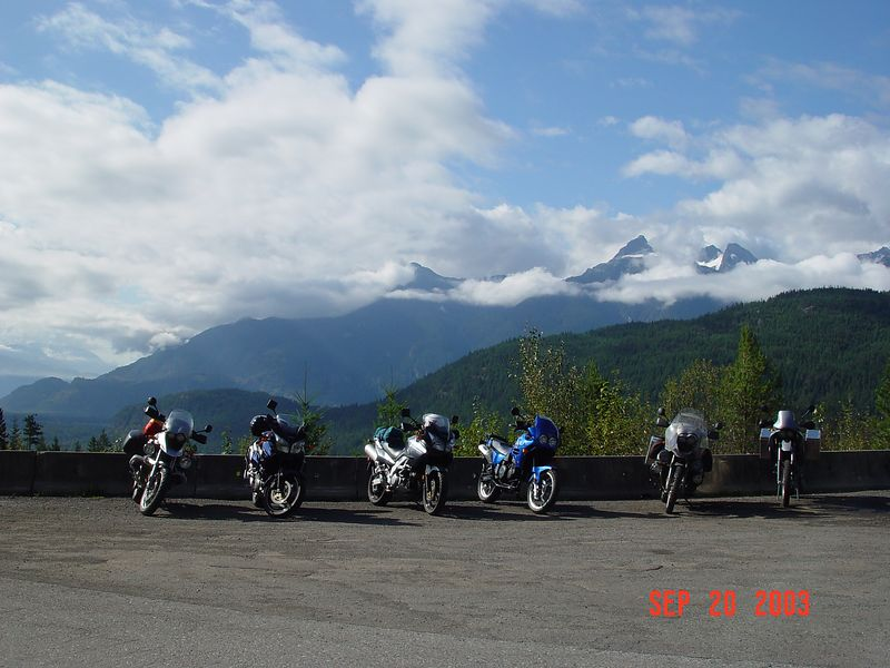 09 Bikes in front of mountains