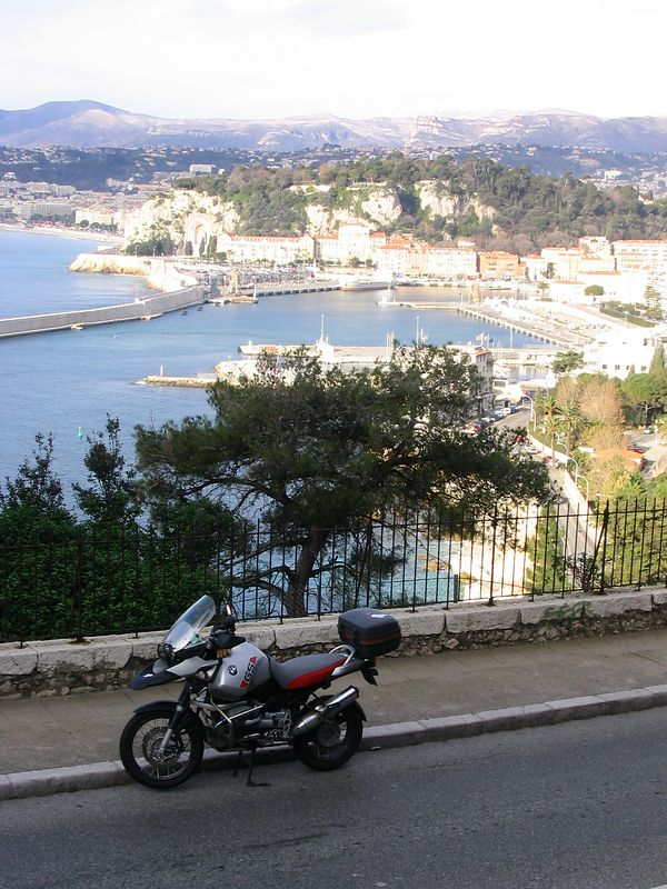 View from the moyenne corniche looking to Nice
