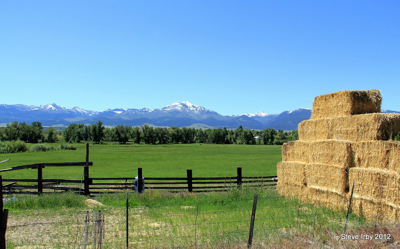 Prarie City Farm with Strawberry Mountains