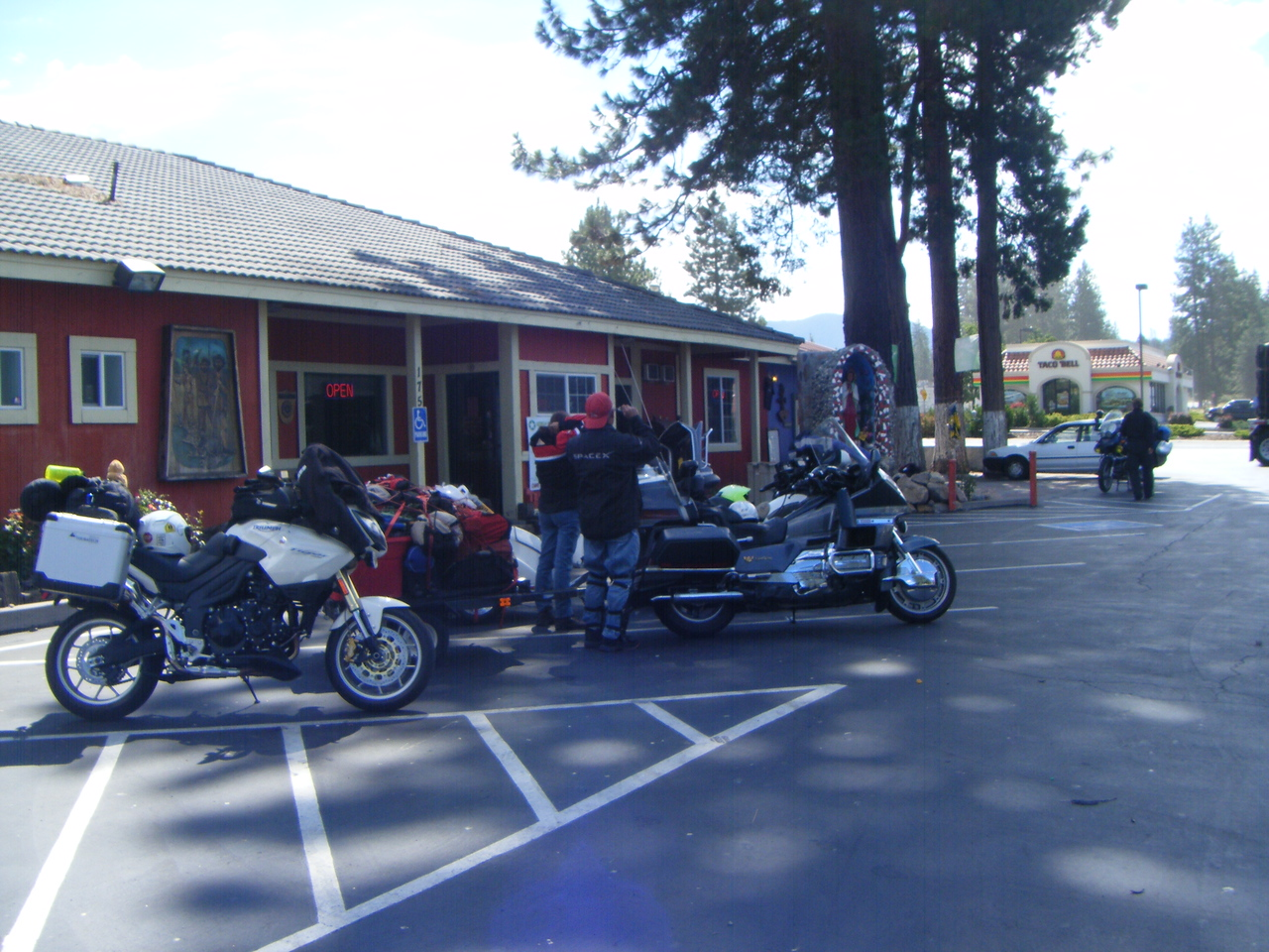 Breakfast at the base of Mt Shasta