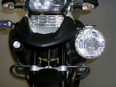IPF 9614 auxiliary lights with mounting studs to the top, mounted on extender plates
