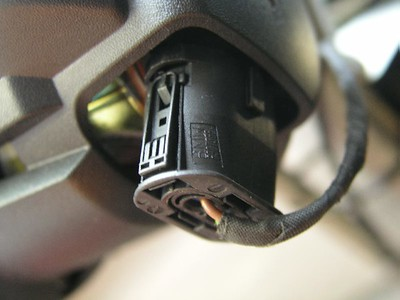 Closeup of the electrical connector that feeds power to the fog light