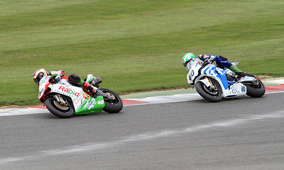 (40)Martin Jessop, Rapid Solicitors Bathams Ducati, (60) Peter Hickman, Tyco Honda. BSB Superbikes Race 1.
