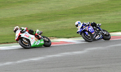 (40)Martin Jessop, Rapid Solicitors Bathams Ducati, (22) Alex Lowes, Motorpoint Yamaha. BSB Superbikes Race 1.
