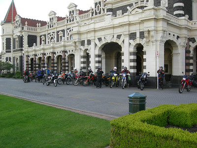 Friday 11th November, 7.15am, Dunedin Railway Stn.