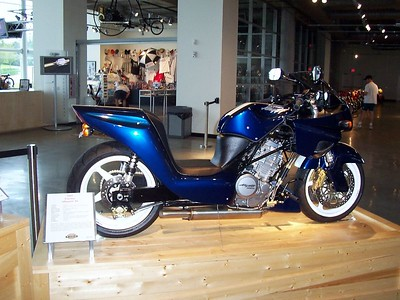 """A late version of the Dan Gurney """"Gator."""" This would be an awesome bike to ride the Dragon's Tail on Deal's Gap."""