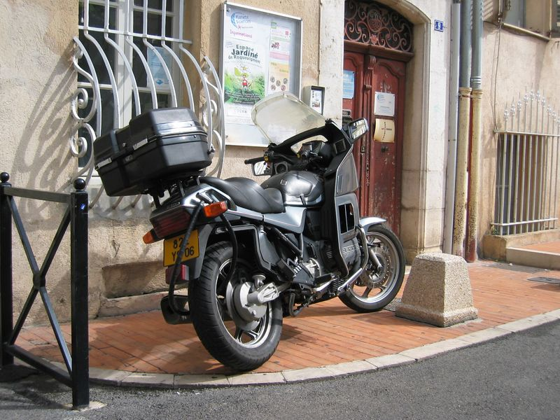 France. K100 with Bagster tankcover in lovely Grasse.