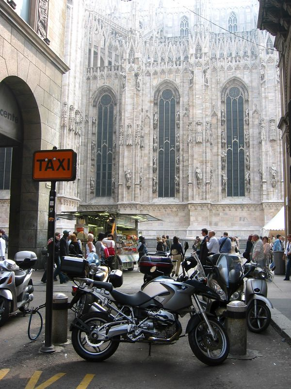 Italy. <br /> GS1200 blue and R1150 in the shadow of the Duomo.