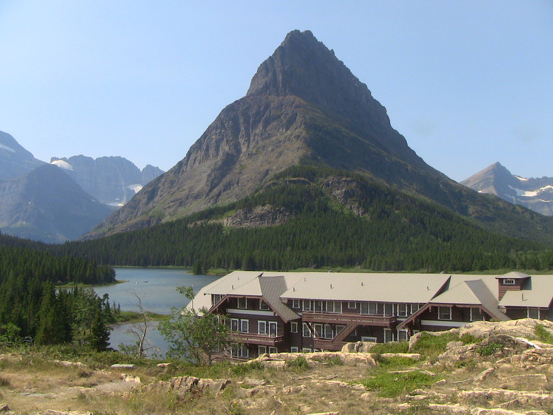 Many Glaciers Lodge