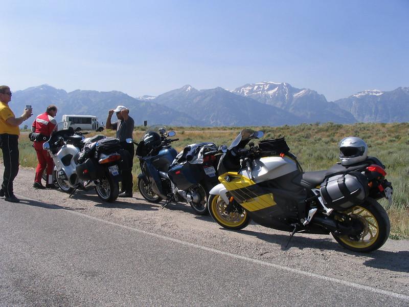 Passing near the Grand Tetons, break time