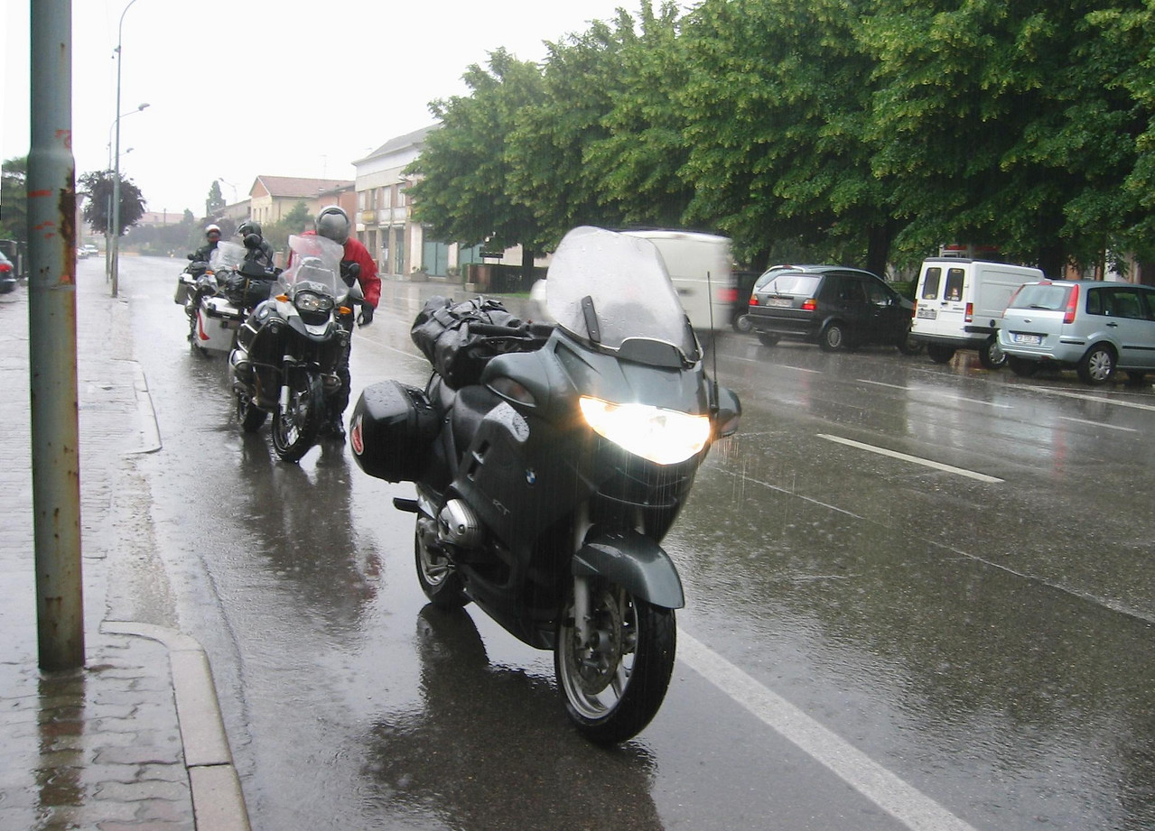 Garda - Modena: 3 hours of pouring rain... we decided to change plans from here on...