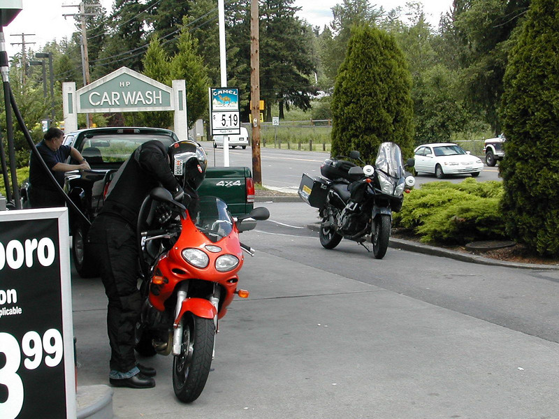 Keith gassing up before we leave town for the '06 AMA Superbike round at Miller, in Salt Lake City, UT