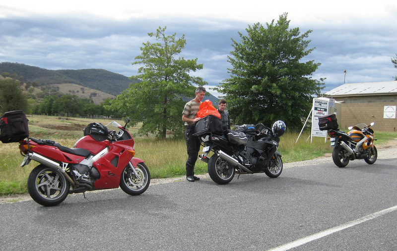 Bill & Martin near Gundarring Rd Vic