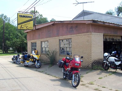 US 84 directly connects Waco with our first day's destination... the Natchez Trace Parkway in Mississippi. Before getting there though, we passed this run-down old cycle shop in Joaquin, TX, just before crossing into Louisiana.