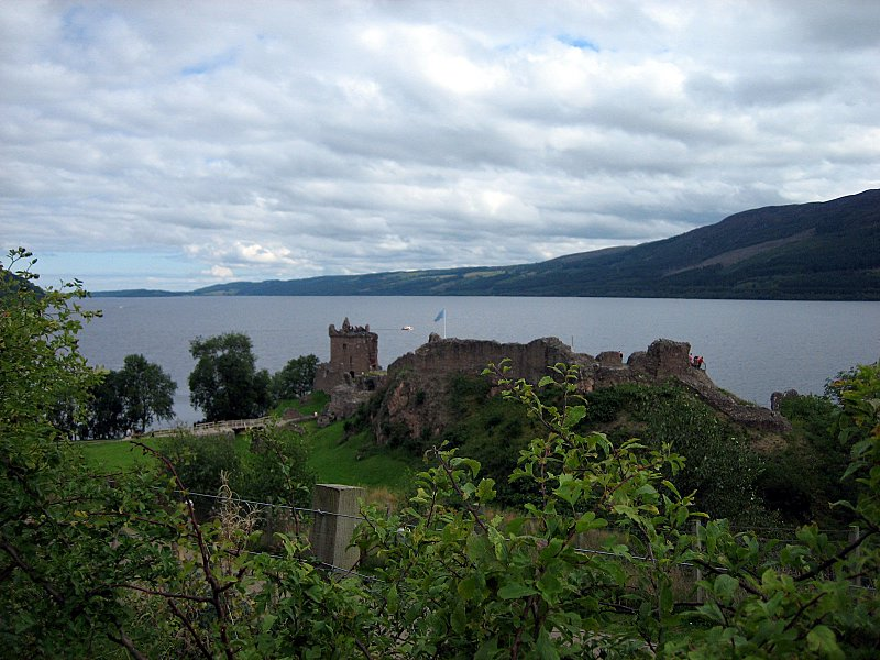The next day, Tue-Aug-22, we ride northwards and pass along the western shore of Loch Ness, where Nessy lives