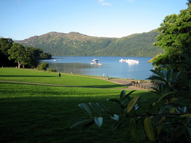 Mon-Aug-21. Loch Lomond - on the way to Inverarnan; the first night's stopover