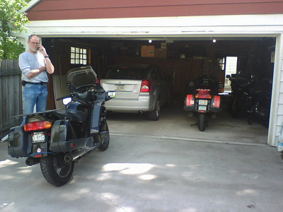 5/25/09 2:30pm back home after the rainout  At Jim's MON memorial day... Billings Sync / ShockSTOC  we should have braved the traffic to ride the Beartooth but Jim's bike has picked up a funny vibration... I could not narrow it down... Sync chek OK... I've suggested he just ride it more and see if it resolves itself. We adusted my shock too... maybe it'll be a bit gentler on my butt.  I'll have another go at the Beartooth and Lolo and Glacier starting 5/27