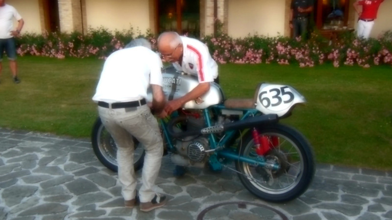 A short video of the vintage Ducati 750. Turn up the volume!