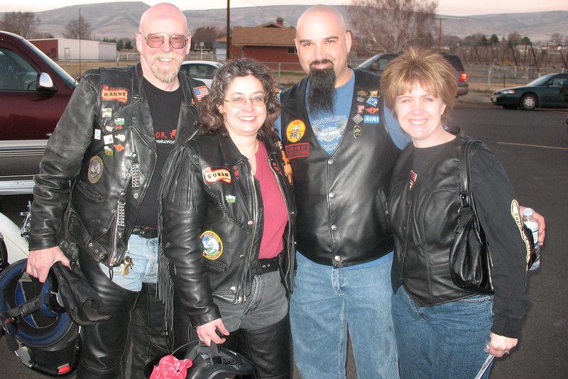 Destiny Riders Randy and Susan meet Yakima Valley Christ Riders Roger and Patty LeBlanc