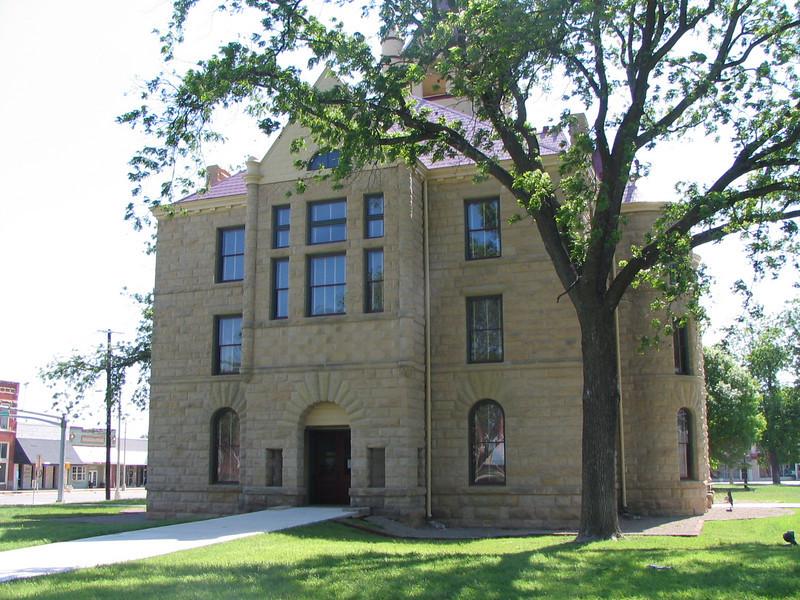 Brady courthouse.