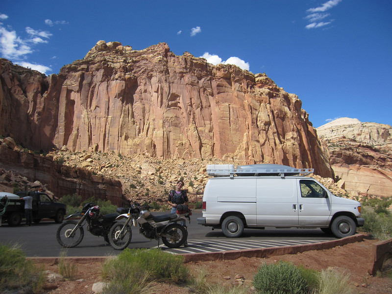 Off route 24 is the Capitol Reef NP scenic drive which terminates in this small paved parking area.  From here you can continue the drive into Capitol Wash and/or access Pleasant Creek Rd. (which is about 200 feet away).  It's hot but not unpleasant.
