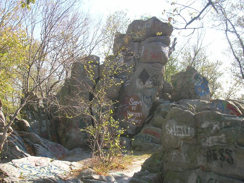 Hammonds Rocks