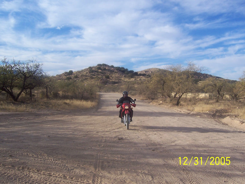 We proceded up Reddington Rd towards the Bellota Ranch turnoff. This is a shot of Randall on Reddington Rd near the Chiva Falls staging area.