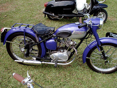 classic bikes at ag show 2008 - bermudarover