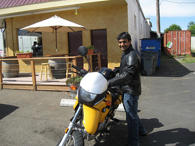 Anand at the lunch stop in Carlton.