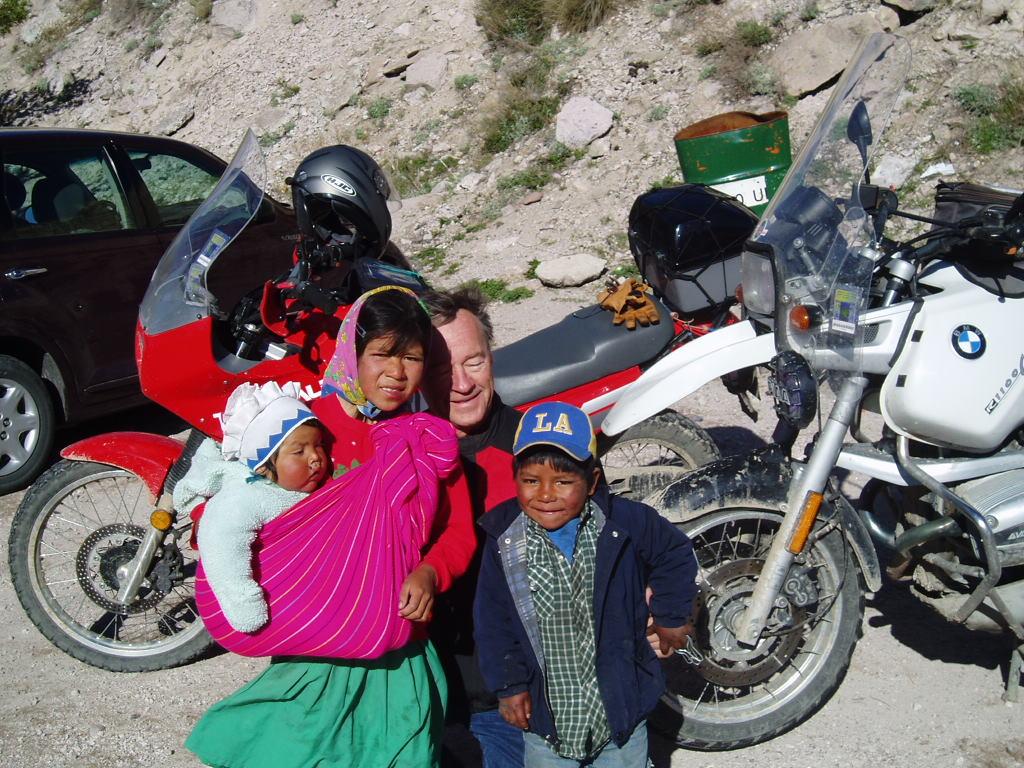 Dad with Tamarahara children.