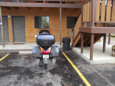 Broken Spur Motel in Three Forks < $50 Still raining