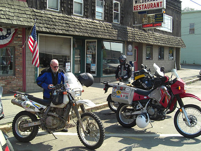 Mounting up outside the Wilderness Cafe.