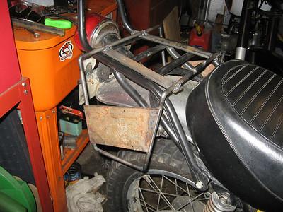 DT400C Aux fuel tank rack