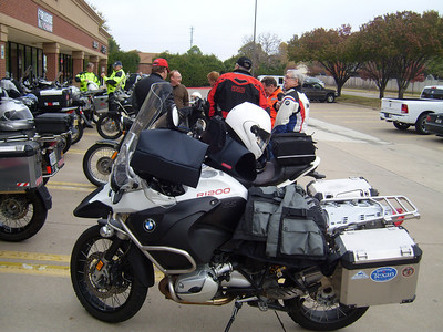 The weekly gathering at Le Peep for breakfast prior to departure on Stephen's ride to Greenwood.