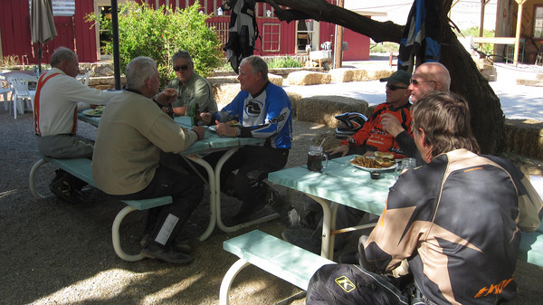 Beer and lunch in Shoshone Springs Day 8