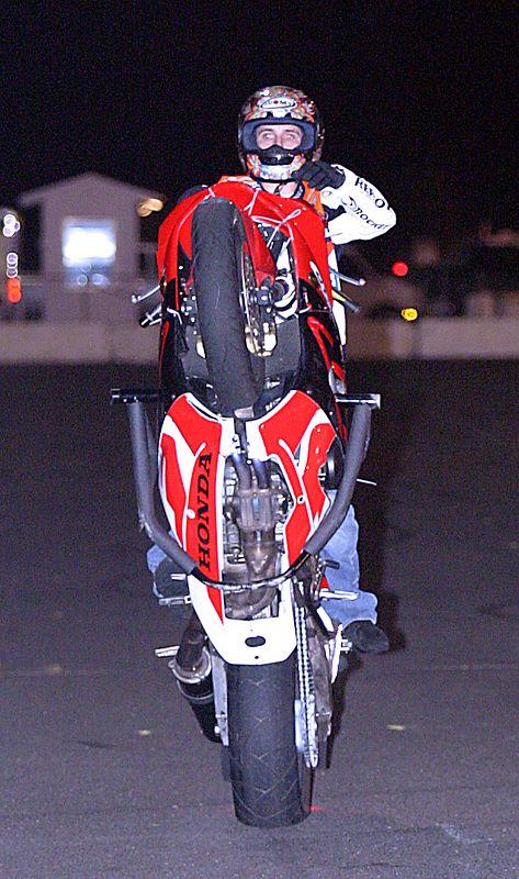 Del's Performance Stunt Wars<br /> copyright Scott Lukaitis lukaitisphoto.com 2004