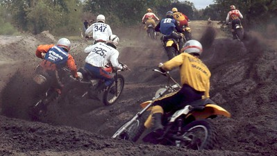 """Pat Richter #47 on his way to a """"last to first"""" moto win. Jim Lesnewski (orange sleeves) is trying to find a way around me #625g. Delno Becker #347"""
