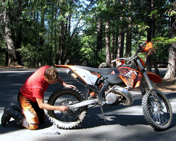 CC adjusting chain on new KTM 300