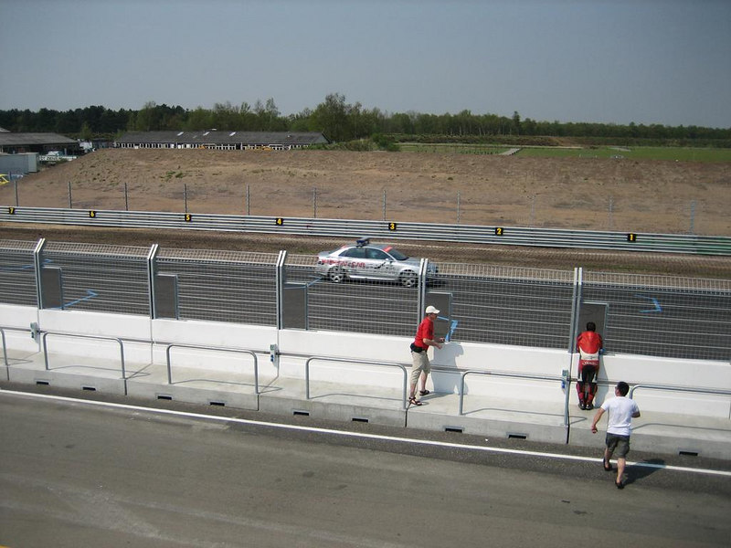 Pace car at the end of the field