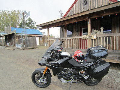 Stopping in Bickleton to put heated liners and gloves back on. Spring trip 2010 by Ducati.MS member MartyS Read the full trip story here