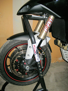 1/3: Multistrada 1200 - front headstock and rear paddock stands from T-Rex - photo by Ducati.ms member 'ebrew' (aka Erik)