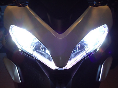Xenon Set Pilot 8000k installed by Belgian Multistrada 1200 owner 'Remus79' (aka Remi) See - Multistrada 1200 / MTS1200 HID headlight / headlamps conversion here:  http://www.motorcycleinfo.co.uk/index.cfm?fa=contentGeneric.cwpgfxigzstbrmfs&pageId=2173788