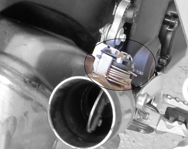 """The standard OE Multistrada 1200 exhaust system is fitted with a butterfly valve - follow the link below for advice and information:  <b><a target=""""_blank"""" href=""""http://www.motorcycleinfo.co.uk/index.cfm?fa=contentGeneric.wuyjdrgpolhdvlck&pageId=1209416""""> Multistrada 1200 ' Snippets' (Tips 'n' Tricks)</a></b>"""